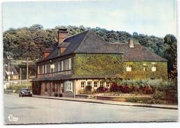 La Riviere Thibouville.  Hotel Du Soleil D'Or CPSM GF.  Automobile. Citroen DS - Other Municipalities