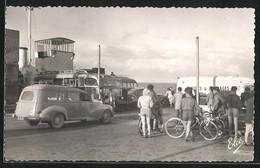 CPA Île D`Oléron, L`Embarquement Sur Le Bac Conduisant Au Chapus - Non Classés