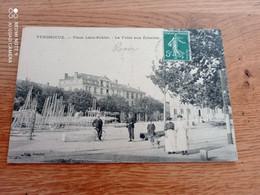 RARE CPA  69//  VENISSIEUX// PLACE LEON SUBLET// LA FOIRE AUX ECHELLES - Vénissieux