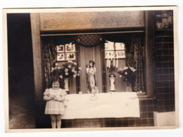 Photo ( +/- 13 X 18 Cm ) Procession De Ste Foy à LIEGE En 1949 - Quartier, Vitrine, Devanture, Magasin ?... (B247) - Places