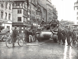 GUERRE 1939 1945 ENTREE DES CHARS DED LECLERC A STRASBOURG EN NOVEMBRE 1944 CANON AUTOMOTEUR....   PHOTO VIOLLET ..RARE - War, Military