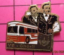 SP05 Pin's Pins / Beau Et Rare / THEME : TRANSPORTS / AUTOBUS ROUTIER ROUGE ET BLANC VB CHÖRLI  Grosse Teuf Et Binouse - Trasporti