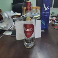 SCOTLAND-GRANTS-triple Wood-blended Scotch Whisky-(40%)-(700ml)-bottle Glasse-used - Whisky