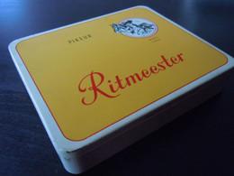 Ritmeester Pikeur Buat 1666 Holland Boîte En Metal Pour Cigares Blikken Doos Voor 20 Sigaren N° 777 12,5 X 10, X 2,4 Cm - Scatola Di Sigari (vuote)