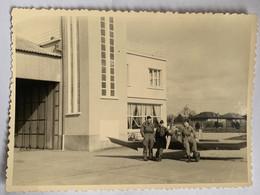 Photo Militaire. Aviation. Avion. Guerre D'Algérie. Militaria. Février 1961. Aérodrome. - War, Military