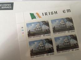 BLOC FEUILLET DE 4 TP NEUFS SOUS BLISTER 1999- IRLANDE - IRISH EMIGRATION - Blocks & Kleinbögen