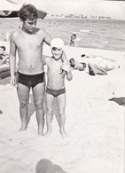 Old Real Original Photo - Naked Young Little Boy Posing On The Beach - Ca. 9x6.5 Cm - Anonymous Persons