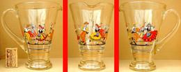 1 Ancien PICHET Vintage En Verre Artisanal EMAIL 3 Couples Danseurs Folkloriques - Carafes