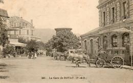 63. CPA. ROYAT - La Gare - Voiture à Cheval De L'hotel Saint Mart - Restaurant Pension - 1905 - Scan Du Verso - - Gares - Sans Trains