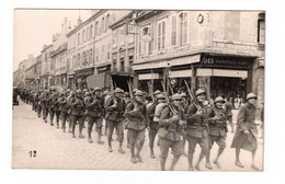 CP Militaires Défilant Avant 40, Dragio PONTARLIER (25) - Regiments