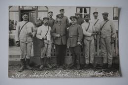 Foto-AK: Gruppenfoto Rosenheim Armierungs-Einheit / Perlacher Bräu Rosenheim - Guerre 1914-18