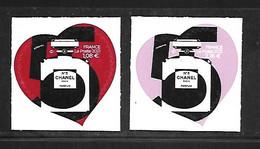 A356  Paire Adhésifs Coeur De Chanel N°5 N++ - Adhésifs (autocollants)