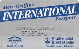 Resorts Casino Atlantic City NJ & Paradise Island Bahamas - 1st Issue Slot Card With Barcode Sticker ...[RSC]... - Tarjetas De Casino
