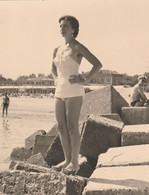 11635.  Fotografia  Vintage Donna Femme Sexy Erotic In Costume Mare 1952 Italia - 11x8 - Persone Anonimi