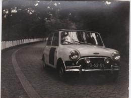 PORTUGAL   PHOTO PHOTOGRAPH - PHOTOGRAPHY - OLD CAR - CLASSIC CAR -  RACES    - 9,3 Cm X 12,1  Cm - Cars