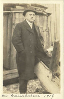 Carte Photo Homme Chapeau Manteau  Au Transbordeur 1917  RV - Fotografia