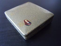 Willem II Direktie Holland Boîte En Metal Pour Cigares Goudkleur Blikken Doos Voor Sigaren 9,2 X 10,2 X 2 Cm - Scatola Di Sigari (vuote)