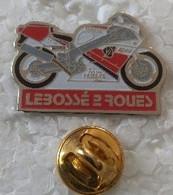 Pin's - Motos - LEBOSSE 2 ROUES - Concessionnaire YAMAHA - - Motorfietsen