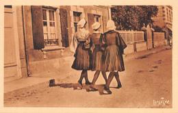 85-FOLKLORE COSTUMES DE CROIX DE VIE-N°2141-B/0085 - Andere Gemeenten