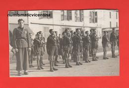 Avanguardista Fiamma Bianca Croce Al Merito E Pugnale GIL + Balilla Con Moschetto E Fez Ventennio Adunata Anni 30 - Guerre, Militaire