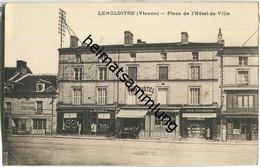 Lencloitre - Place De L'Hotel-de-Ville - Lencloitre