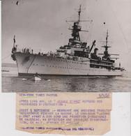 """PH. -  Le """"JEANNE D'ARC""""   BREST  5.9.46-    (13 X 18.4  Cm.) - Schiffe"""