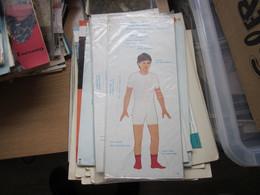 National Costumes Cardboard Doll  Yugoslavia Nosnje Naroda Juguslavije  Crne Gore Montenegro Unpacked - Non Classés