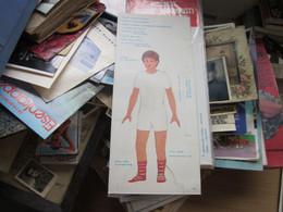 National Costumes Cardboard Doll  Yugoslavia Nosnje Naroda Juguslavije  Makedonija Macedona - Non Classés