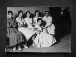 SASSARI - FEMMES FEMMES FEMMES - DONNE DONNE DONNE - WOMEN WOMEN WOMEN - DRESS ROBE VESTITO MODA FASHION MODE - Persone Anonimi