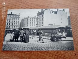 RARE CPA  69// LYON// PLACE DE LA VICTOIRE  // LES CAMELOTS// - Lyon 3