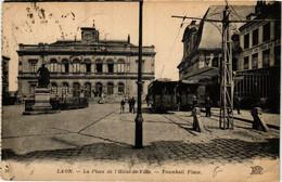 CPA AK LAON La Place De L'Hotel De Ville (666434) - Laon