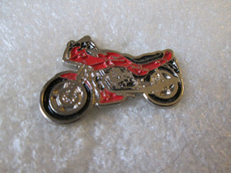 PIN'S  MOTO    MOTO GUZZI - Motorfietsen
