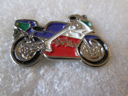 PIN'S  MOTO    APRILIA - Motorfietsen
