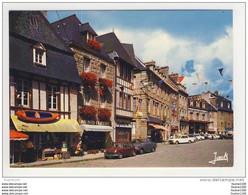 Carte ( Format 15 X 10,5 Cm ) De PAIMPOL Place Du Martray  ( Recto Verso ) - Paimpol