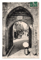 CPA  LL.31 Entrée De La Porte De Bourgogne Et La Grande Rue AniméesMoret  Le Quai Et L'abreuvoir - Moret Sur Loing