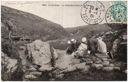 56 ILE DE GROIX - La Vallée Saint-Nicolas - Un Lavoir - Groix