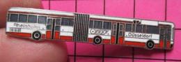 313A Pin's Pins / Beau Et Rare / THEME : TRANSPORTS /  AUTOBUS URBAIN ALLEMAND ROUGE ET BLANC Très Grand Double Attache - Transportation