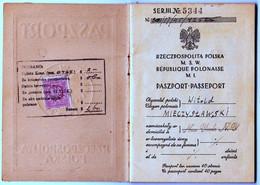 POLAND 1945 Passport Reisepass Passeport Issued In New York, Top Condition - Documentos Históricos