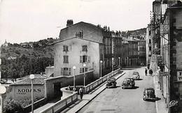 63 , THIERS , La Terrasse Et Table D'Orientation , * 393 92 - Thiers
