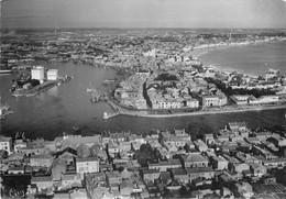 Photo Cpsm 85 LES SABLES D'OLONNE. Vue Panoramique Port Et Plage 1952 Destinataire à Arnouville Les Gonesses - Sables D'Olonne