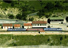 Gare De Morez Relation St Claude Dole Deux Autorails X2800 Encadrant Une XR 6100 RV - Morez