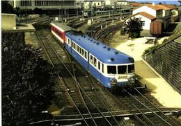 Gare De Clermont Ferrand L'autorail X 2849 Et L' XR 6112 Quittent Clermont Pour Brive RV - Clermont Ferrand