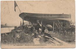 76 LE TREPORT  Barque De Pêche Sur Le Chantier - Le Treport