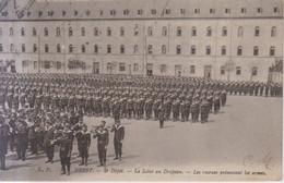 Brest Depot Le Salut Au Drapeau Carte Postale Animee  1918 - Brest