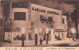 """LA BAULE - Garage """" La Maison De La Réparation """" Delage, Simca, Matford, Mathis 259 Avenue De Paris - Pompes à Essence - La Baule-Escoublac"""