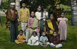 Indonesia, SUMATRA, Christian Batak Family (1910s) Mission Postcard - Indonésie