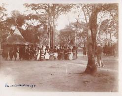 Photo Afrique Congo Belge 1911 Elisabethville Lubumbashi Groupe De Villageois Et Force Publique Réf 4498 - Africa