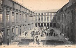 DIEPPE - Intérieur Du Collège, La Cour D'Honneur - Dieppe