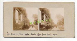 PHOTO STEREOSCOPIQUE - 10 - LE TRAIN EXPRESS POUR PARIS EN GARE DE BAR SUR AUBE EN 1910 - CHEF DE GARE - VOYAGEURS - Stereo-Photographie
