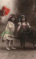 CPA - Fantaisie BONNE ANNEE - Scène Jeunes Filles Avec Brouette ... - New Year
